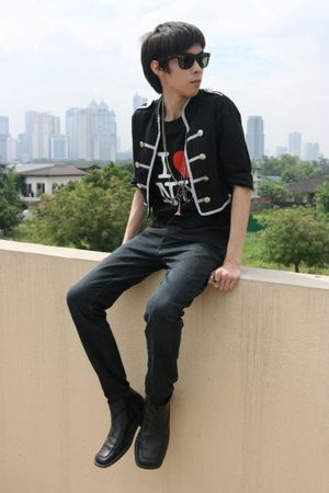 black Borrowed from sisters closet jacket - black new york shirt - gold necklace
