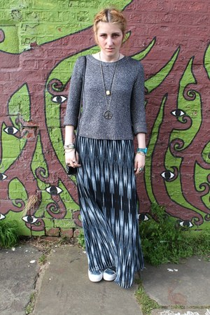 silver H&M sweater - black studded H&M bag - heather gray Forever 21 skirt