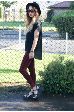 DDs hat - Forever 21 leggings - Old Navy blouse - platforms thrifted wedges