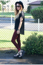 DDs hat - Forever 21 leggings - Old Navy blouse - platforms thrifted wedges