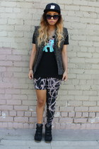 hat - leggings - vest - sneakers - t-shirt