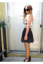 crop top top - black skirt skirt - black heels wedges
