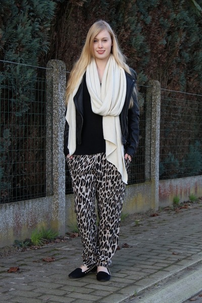 black Zara jacket - tan leopard print Mango pants - black Zara loafers