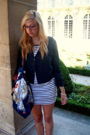 blue H&M dress - blue vintage jacket - white vintage scarf
