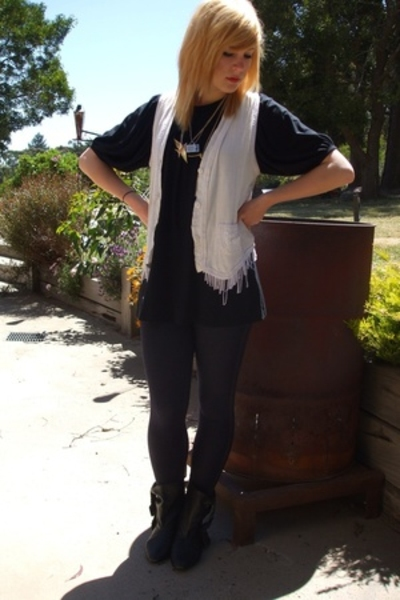 Secondhand vest - Living Doll top - Ebay pants - Barkins shoes - Secondhand acce
