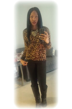 Forever21 sweater - chains JustFab boots - black H&M jeans - boutique necklace