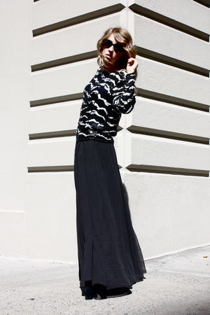 vintage sequin top - H&M Maxi skirt - vintage sunglasses