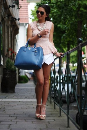 sky blue Prada bag - off white Sheinside shorts - nude Schutz sandals