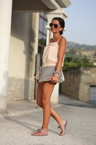 heather gray VJ-style bag - peach romwe shorts
