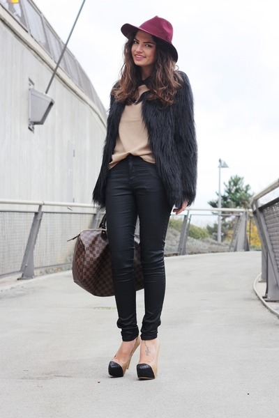 brown Louis Vuitton bag - black Steve Madden pumps