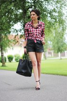 black vintage shorts - ruby red H&M blouse