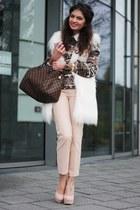 brown Louis Vuitton bag - light pink Steve Madden heels