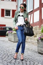 black Prada bag - green ray-ban sunglasses - black Guess pumps