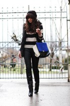 black Oasis jeans - black hm sweater - blue VJ-style bag - black Zara wedges