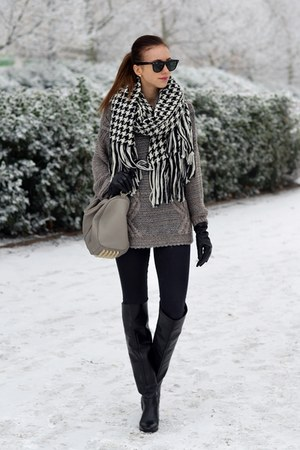 ivory reserved scarf - black Zara boots - black Topshop jeans