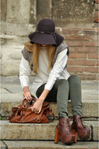 bronze Jeffrey Campbell boots - black H &M hat