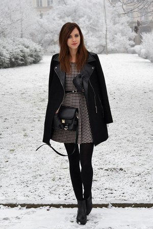 black vagabond boots - white Choies dress - black Chicwish coat