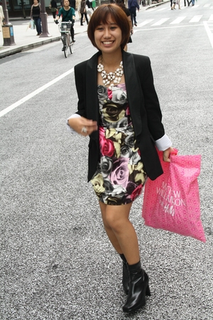black Zara blazer - black leather Nine West boots - pink rose cocktail H&M dress