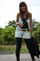 Peligrosa vest - H&M top - Dosch shorts - GU tights - Guess boots - H&M Forever2