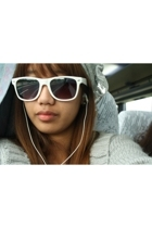 sunglasses - hat - coat -