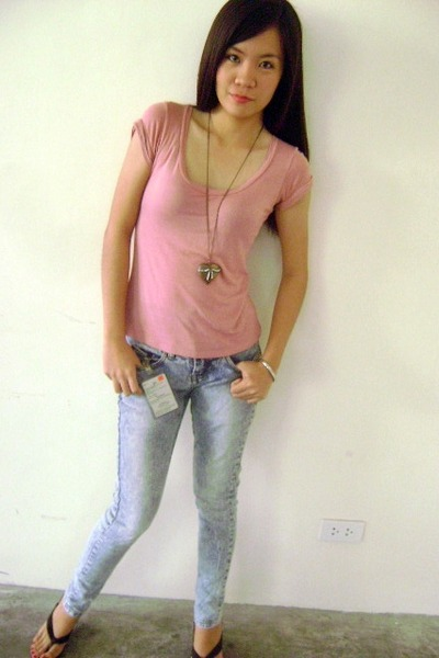 Red Girl Jeans, Www Necklaces, Bayo Blouses, Parasian Sandals ...