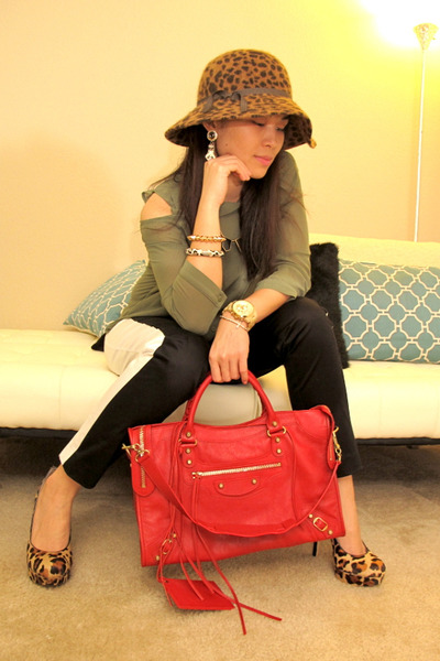 army green H&M shirt - ruby red gold city balenciaga bag