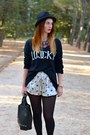 Black-stradivarius-boots-zara-shorts-black-blanco-jumper