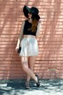 Black-stradivarius-shoes-beige-blanco-skirt