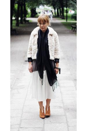 faux fur H&M jacket