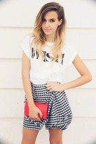 red pieces bag - white pull&bear t-shirt