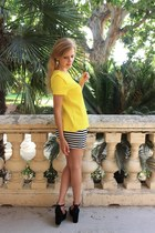 yellow Zara t-shirt - black OASAP skirt - black Jonak heels