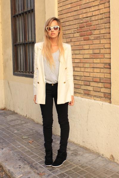 cream Mango blazer - black Zara jeans - black Primark sneakers