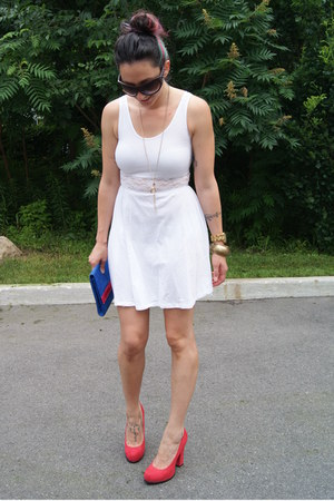 red Target heels - white H&M dress - blue H&M bag