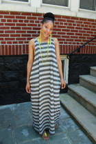striped maxi APOSTLE 316 dress - neon sandals BCBG sandals