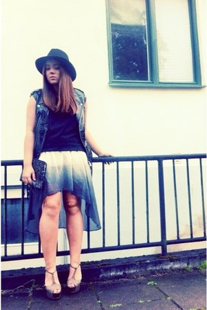 Zara skirt - GINA TRICOT hat - Zara bag - GINA TRICOT vest - Nelly heels