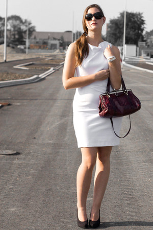 red leather vintage bag - white Mango dress - black calvin klein glasses