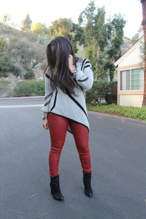 Zara boots - Helmut Lang sweater - Zara pants