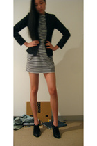 vintage blazer - Antipodium dress - Antipodium belt - Wittner shoes
