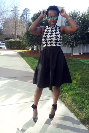 black Express skirt - white Forever 21 top - black Nasty Gal pumps