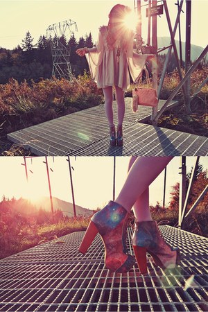light purple Jeffrey Campbell boots - amethyst We Love Colors tights