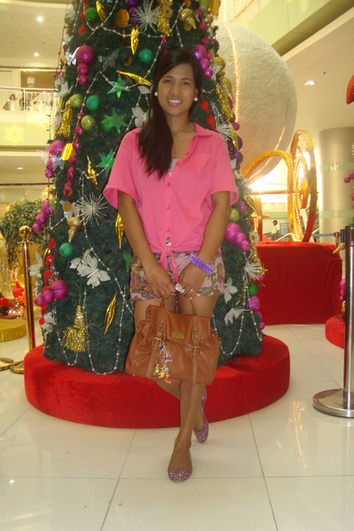 hot pink Plains & Prints shirt - brown rubi bag - light purple Kamiseta shorts