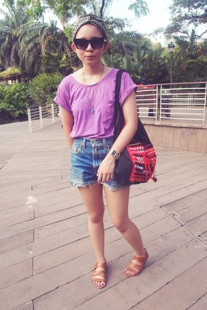 amethyst burnout Topshop t-shirt - navy Levis shorts