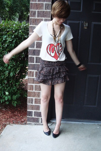 wildfox couture t-shirt - Target skirt - vintage & DIY necklace - Steve Madden s