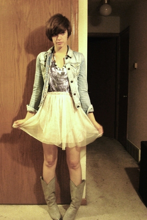 lux uo skirt - thrifted jacket - t-shirt - vintage boots - vintage necklace