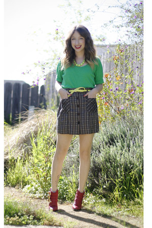 red Forever 21 boots - green J Crew t-shirt - yellow H&M belt