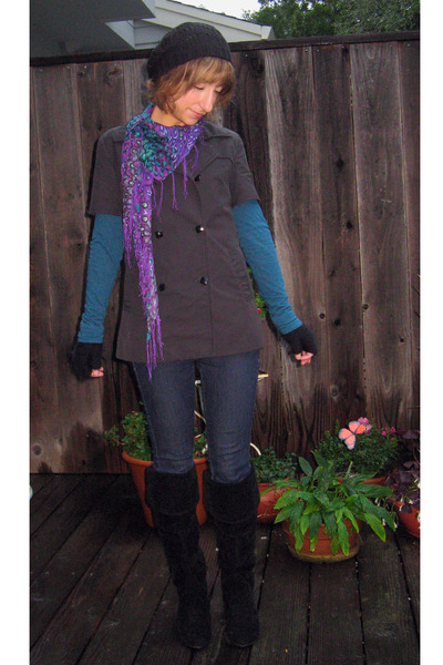 blue Target top - blue Just Usa jeans - black Moutif coat - black found at Ross