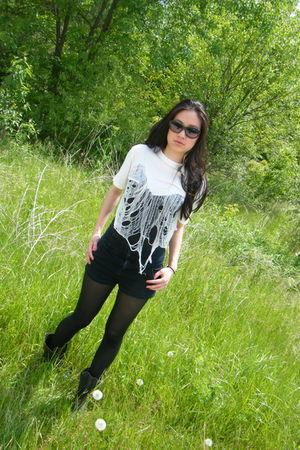 white oak shirt - black Urban Outfitters shorts - black Ellen Tracy sunglasses
