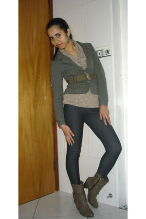 light brown boots - navy leggings - olive green blazer - beige blouse