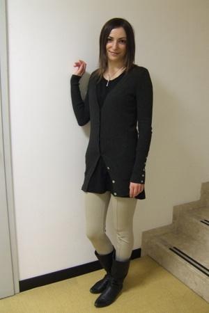 Zara sweater - Zara t-shirt - Zara leggings - Fornarina boots - Pianegonda neckl