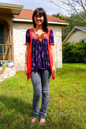 red Floreat top - gray Just Usa jeans - purple Melissa shoes - Zad necklace